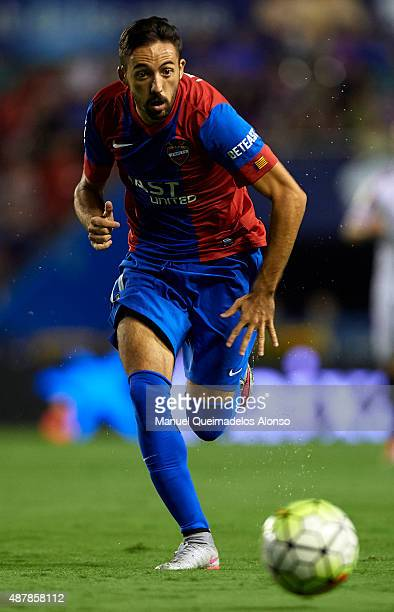 Jose luis Morales of Levante runs with the ball during the La Liga match between Levante UD and Sevilla FC at Ciutat de Valencia Stadium on September...