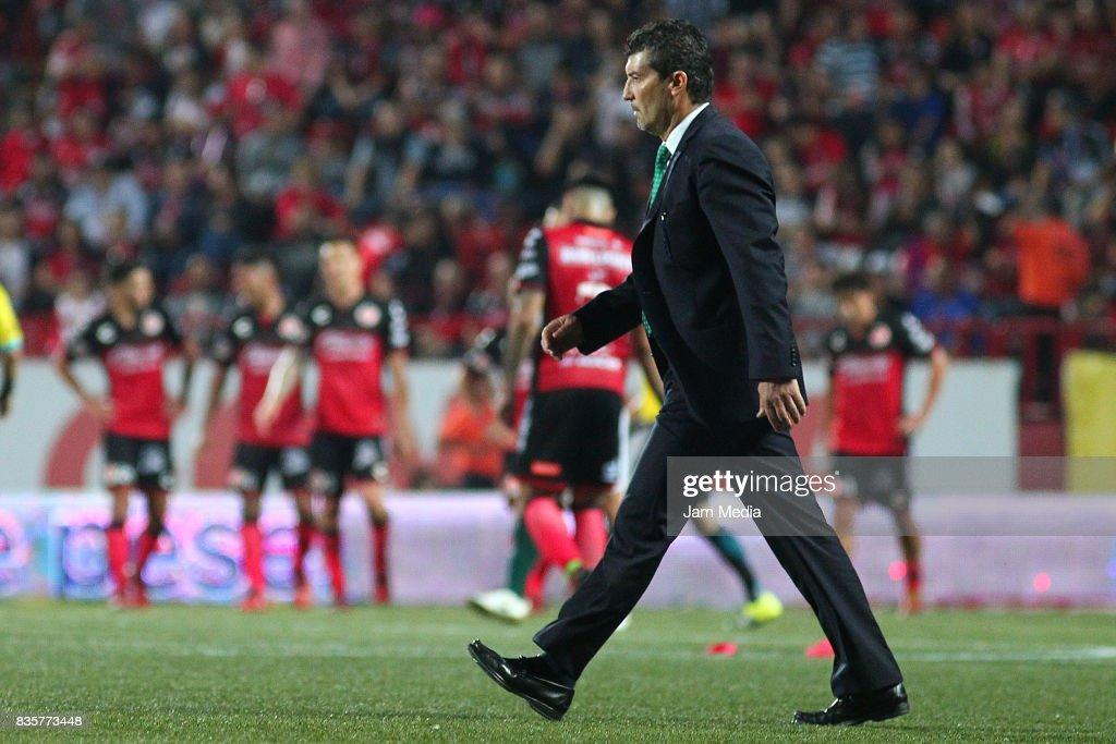 Jose Manuel de la Torre coach of Santos Laguna walks during the fifth round match between Tijuana and Santos Laguna as part of the Torneo Apertura 2017 Liga MX at Caliente Stadium on August 18, 2017 in Tijuana, Mexico.
