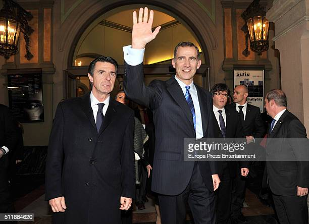 Jose Manuel Soria and King Felipe VI of Spain attend Mobile World Congress Official Dinner Inuguration at The Gran Teatre del Liceu on February 21...