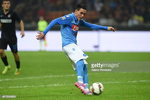 Jose Maria Callejon of SSC Napoli scores the opening goal during the Serie A match between FC Internazionale Milano and SSC Napoli at Stadio Giuseppe...
