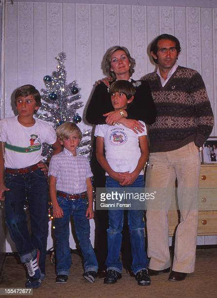 Jose Martinez 'Pirr'i soccer player of Real Madrid and of the Spanish National team with his wife the actress Sonia Bruno and his sons Madrid Spain