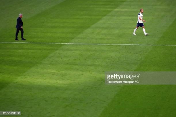 Jose Mourinho head coach of Tottenham Hotspur and Harry Kane during the Premier League match between Tottenham Hotspur and Everton at Tottenham...