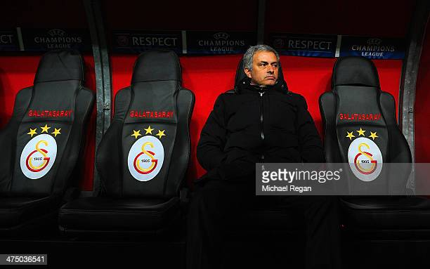 Jose Mourinho manager of Chelsea looks on during the UEFA Champions League Round of 16 first leg match between Galatasaray AS and Chelsea at Ali Sami...