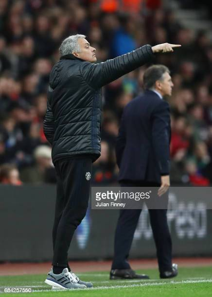 Jose Mourinho Manager of Manchester United gives his team instructions during the Premier League match between Southampton and Manchester United at...