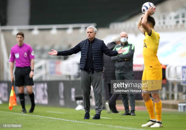 Jose Mourinho, Manager of Tottenham Hotspur reacts as Sergio Reguilon of Tottenham Hotspur prepares to take a throw in during the Premier League...