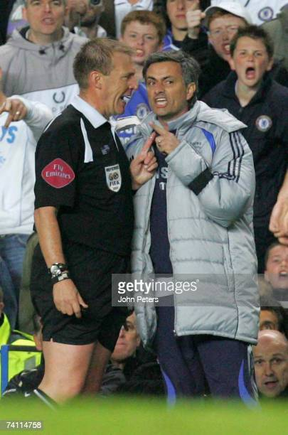 Jose Mourinho of Chelsea argues with referee Graham Poll during the Barclays Premiership match between Chelsea and Manchester United at Stamford...