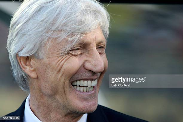 Jose Pekerman coach of Colombia smiles during a group A match between Colombia and Paraguay at Rose Bowl Stadium as part of Copa America Centenario...