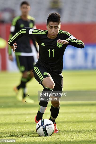 Jose Ramirez of Mexico dribbles the ball during FIFA's Under20 World Cup's football match between Mexico and Mali in Dunedin on May 31 2015 AFP PHOTO...