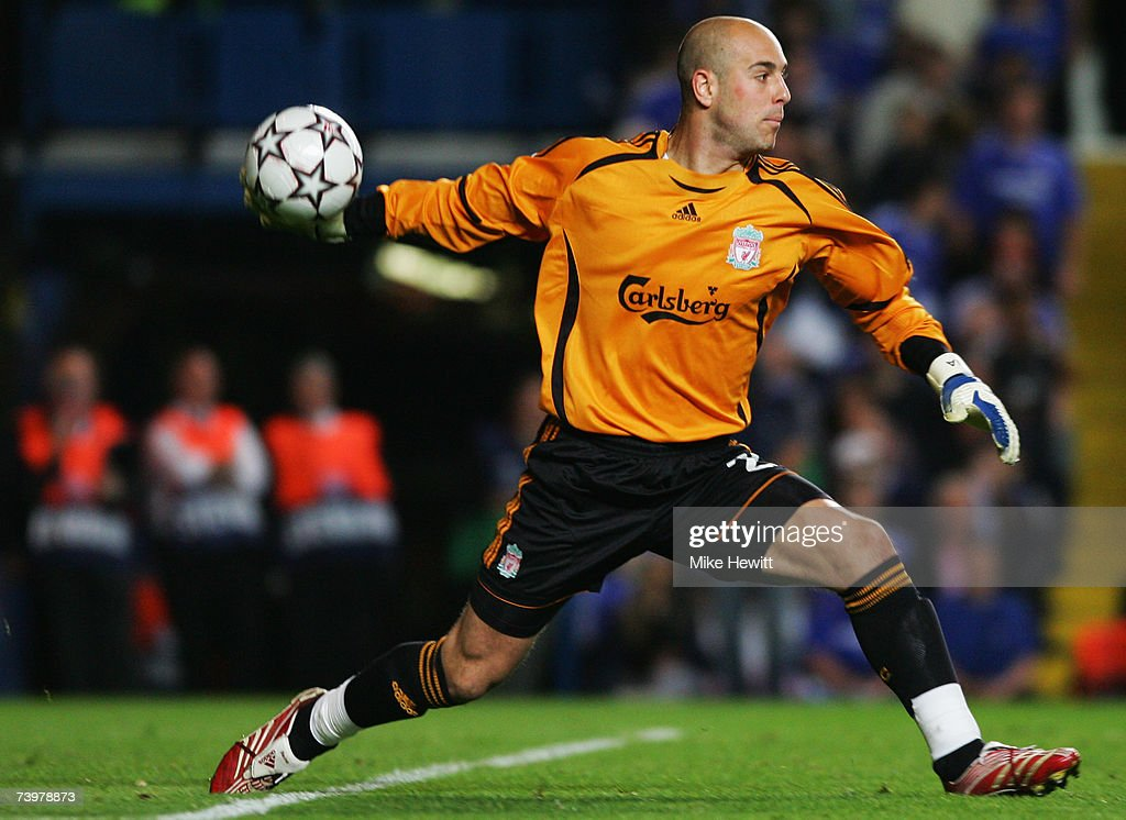 Jose Reina of Liverpool in action during the UEFA Champions League semi final, first leg match between Chelsea and Liverpool at Stamford Bridge on April 25, 2007 in London, England.