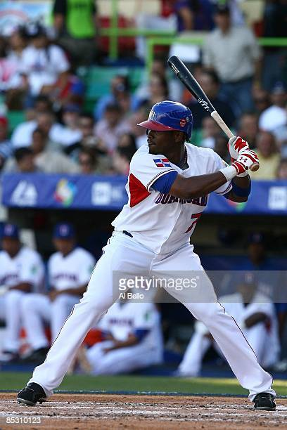 Jose Reyes of The Dominican Republic bats against Panama during the 2009 World Baseball Classic Pool D match on March 8 2009 at Hiram Bithorn Stadium...
