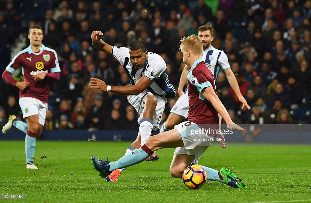 Jose Salomon Rondon of West Bromwich Albion (9) scores their fourth goal during the Premier League match between West Bromwich Albion and Burnley at The Hawthorns on November 21, 2016 in West Bromwich, England.