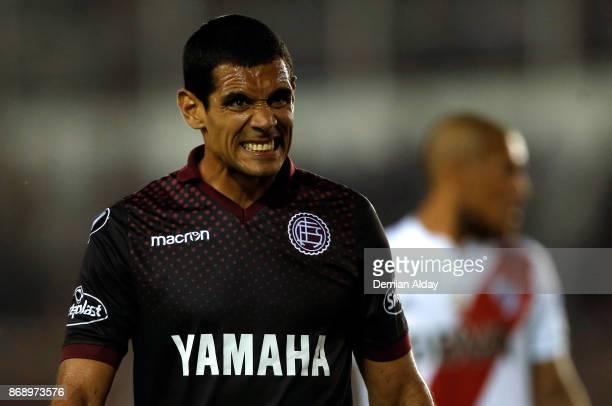 Jose Sand of Lanus reacts during a second leg match between Lanus and River Plate as part of the semifinals of Copa CONMEBOL Libertadores Bridgestone...