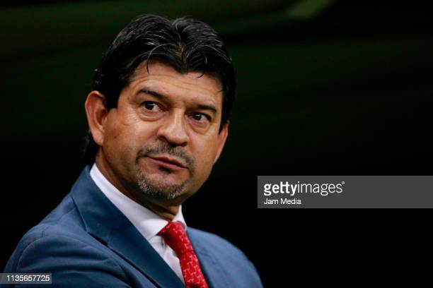 Jose Saturnino Cardozo, Head Coach of Chivas gestures during the quarterfinals match between America and Chivas as part of the Copa MX Clausura 2019...