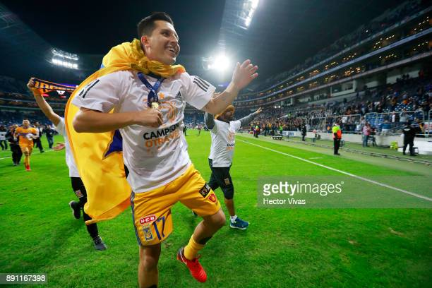 Jose Torres of Tigres celebrate after winning the second leg of the Torneo Apertura 2017 Liga MX final between Monterrey and Tigres UANL at BBVA...