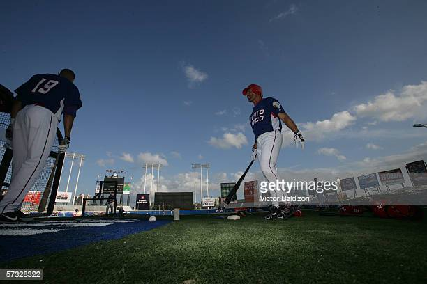 Jose Valentin of Puerto Rico warms up before the game against Cuba on March 15 2006 at Hiram Bithorn Stadium in San Juan Puerto Rico Cuba defeated...
