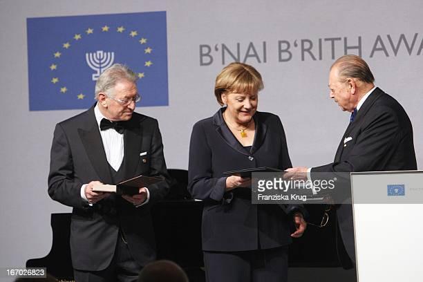 Josef H Domberger Bundeskanzlerin Angela Merkel Und Reinold Simon Bei Der Verleihung Des B'Nai B'Rith Europe Award Of Merit Im Mariott Hotel In...