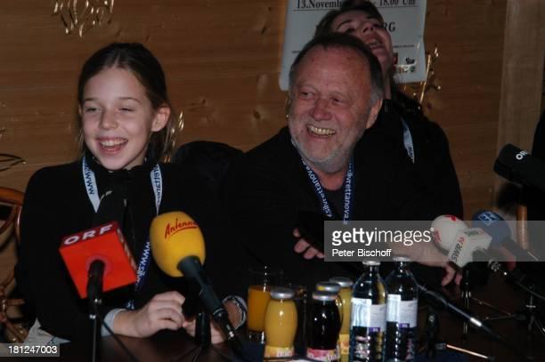 Josefina Vilsmaier Vater Joseph Vilsmaier Uraufführung vom Kinofilm Bergkristall Premiere BludenzNuziders/Vorarlberg/ sterreich Alpengasthof...