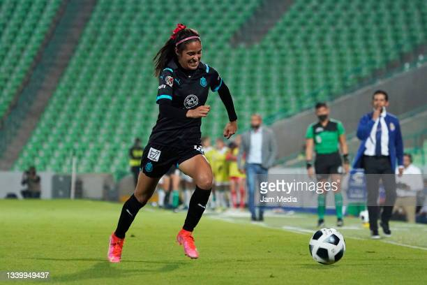 Joseline Montoya of Chivas controls the ball during a match between Santos and Chivas as part of the Torneo Grita Mexico A21 Liga MX Femenil at...
