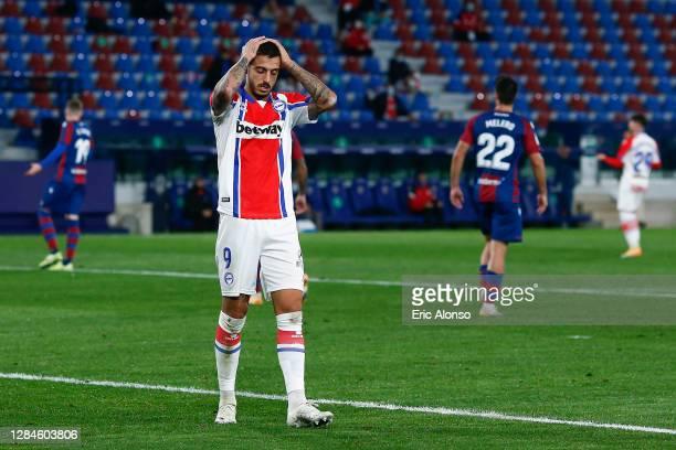 Joselu of Deportivo Alaves laments during the La Liga Santander match between Levante UD and Deportivo Alaves at Ciutat de Valencia Stadium on...