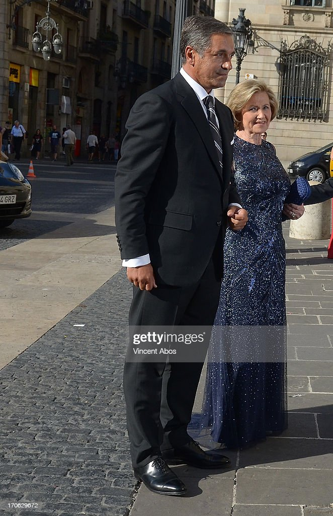 Josep Artigas and Dolors Mas arrive to Barcelona City Hall for his wedding to Rosa Clara on June 15, 2013 in Barcelona, Spain.