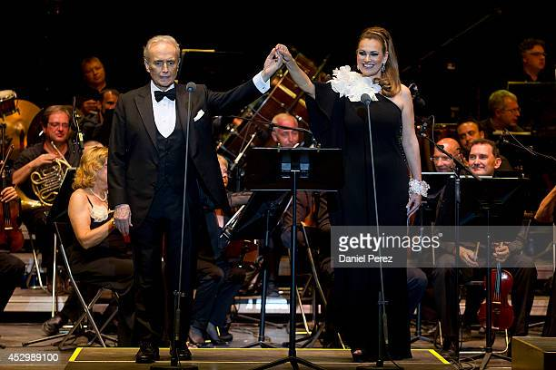 Josep Carreras and Ainhoa Arteta perfom during the Starlite Festival on July 31 2014 in Marbella Spain