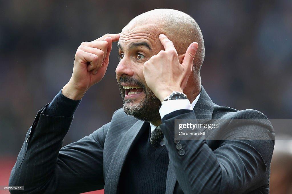 Stoke City v Manchester City - Premier League : ニュース写真