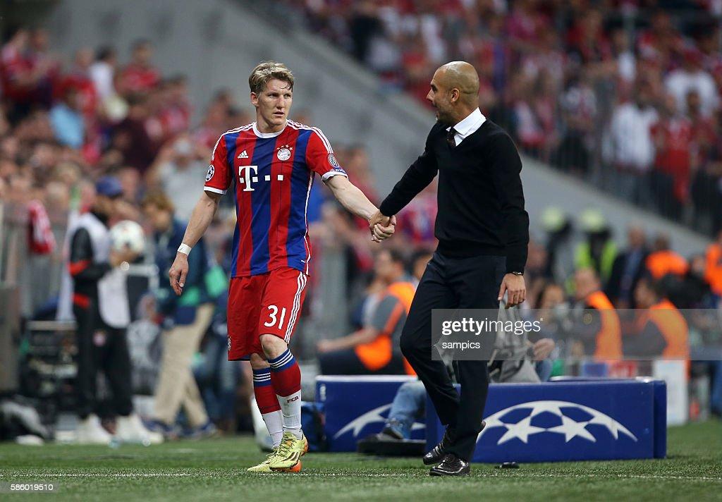 Soccer - Bayern Munich vs. FC Barcelona - UEFA Champions League Semifinals : News Photo