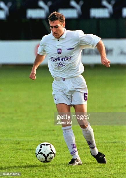 Joseph Enochs Spieler beim VfL Osnabrück hier in der Saison 1997/1998 Aus Reg Liga Nord 1997/1998 Arminia Hannover gegen den VfL Osnabrück 22