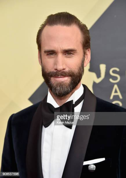 Joseph Fiennes attends the 24th Annual Screen Actors Guild Awards at The Shrine Auditorium on January 21 2018 in Los Angeles California 27522_007