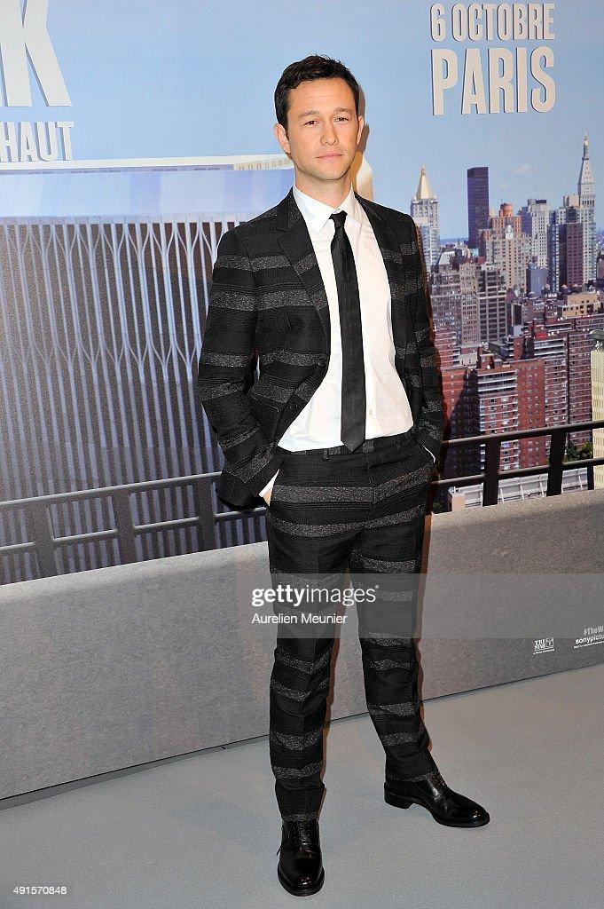 Joseph Gordon-Levitt attends the 'The Walk: Rever Plus Haut' Paris premiere at Cinema UGC Normandie on October 6, 2015 in Paris, France.