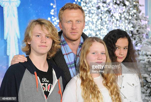 Joseph McKidd actor Kevin McKidd Iona McKidd and guest arrive at the Los Angeles Premiere 'Frozen' on November 19 2013 at the El Capitan Theatre in...