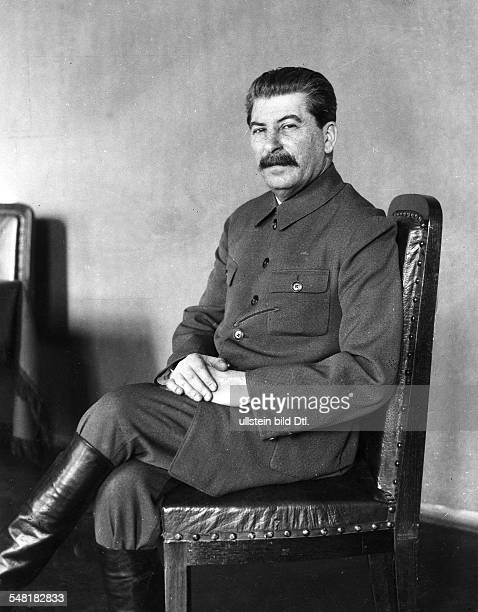 Joseph Stalin *21121879 Politician USSR portrait 1932 Photographer James E Abbe Vintage property of ullstein bild