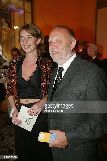 Joseph Vilsmaier Und Ehefrau Dana Vavrova Bei Benefizgala Zugunsten Powerchild EV Im Münchener Hotel Bayerischer Hof