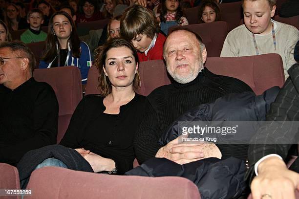 Joseph Vilsmaier Und Ehefrau Dana Vavrova Bei Der 'Der Räuber Hotzenplotz' Premiere Bei Der Berlinale Am 120206