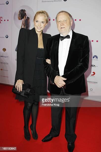 Joseph Vilsmaier Und Tochter Janina Bei Der 21. Diva Verleihung Im Bayerischen Hof In München .