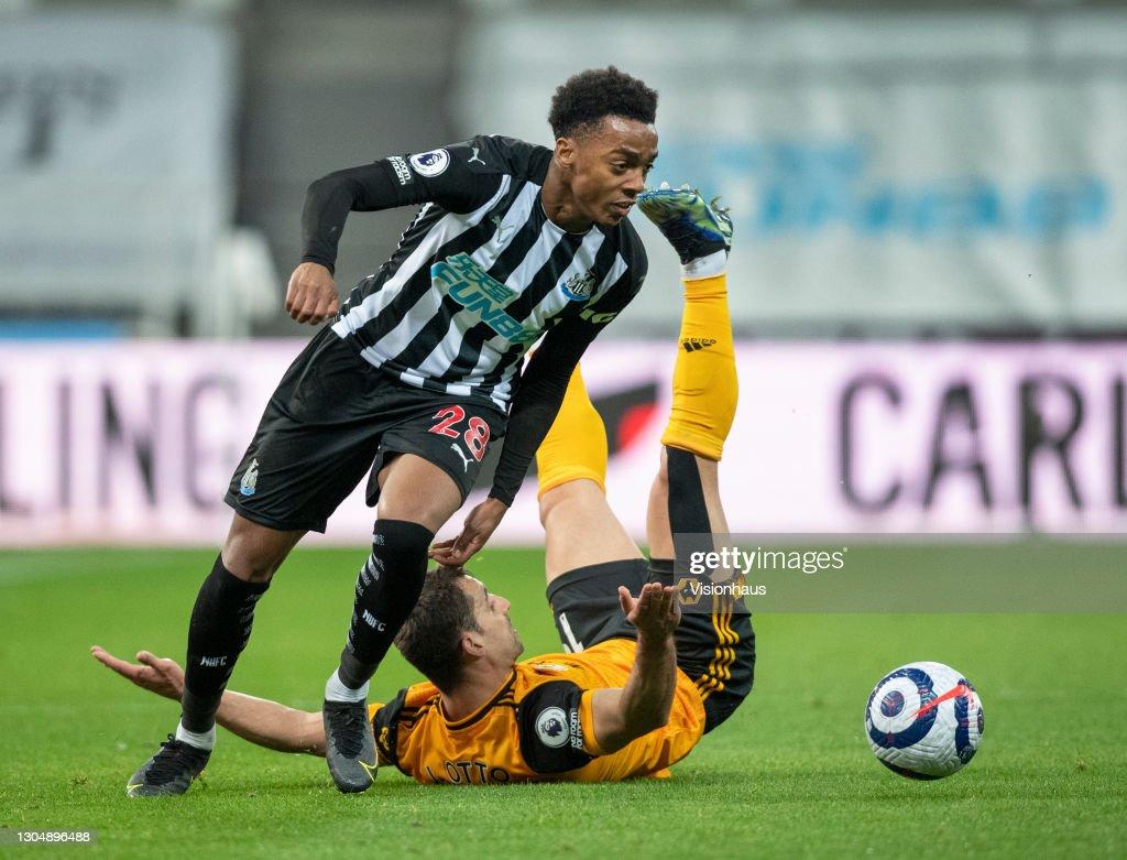 Newcastle United v Wolverhampton Wanderers - Premier League : News Photo