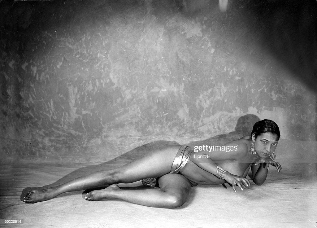 Josephine Baker (1906-1975), American artist of mu : News Photo