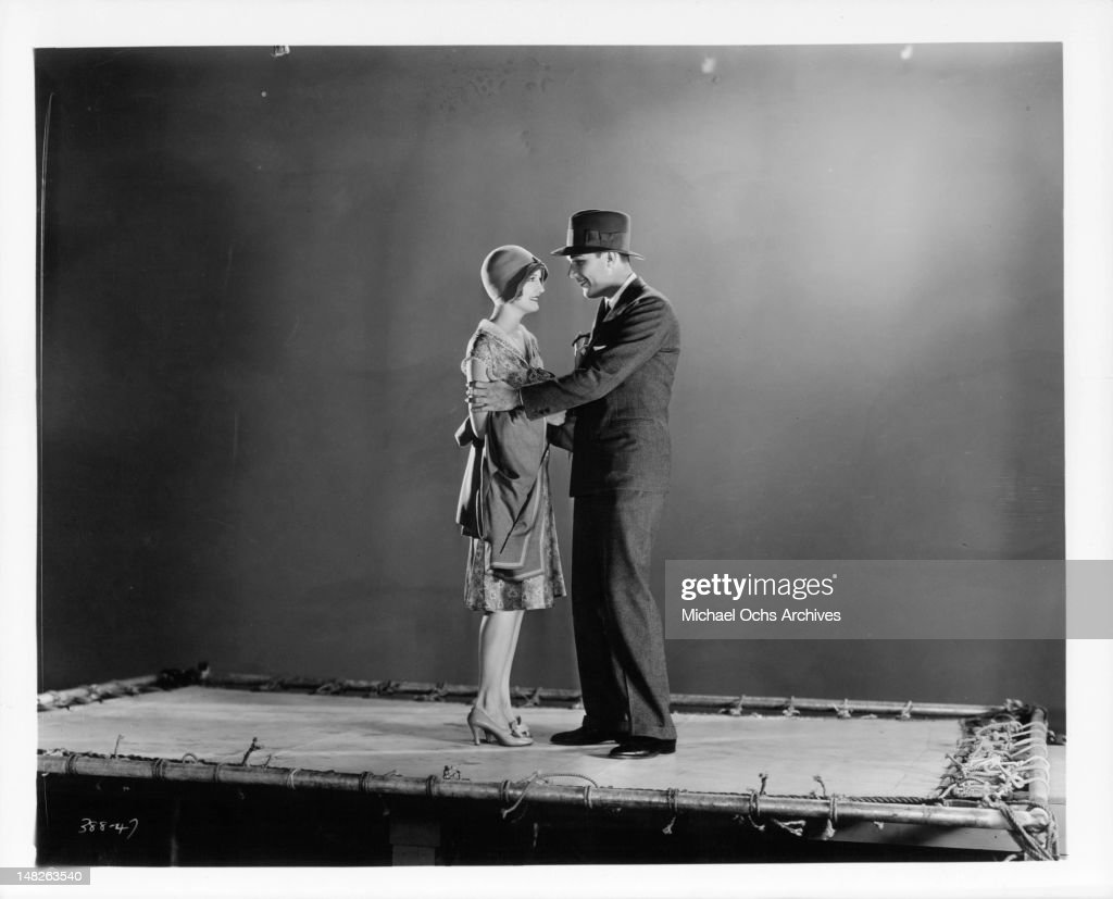 Suzanne Davis (actress),Richard Todd (1919?009) XXX pic Lindsay Price,Gordon Tootoosis