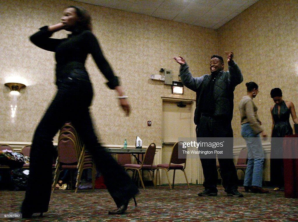 NEGATIVE# josephm 161684--SLUG--WB/LETTER--DATE--11/10/2004- : Fotografía de noticias