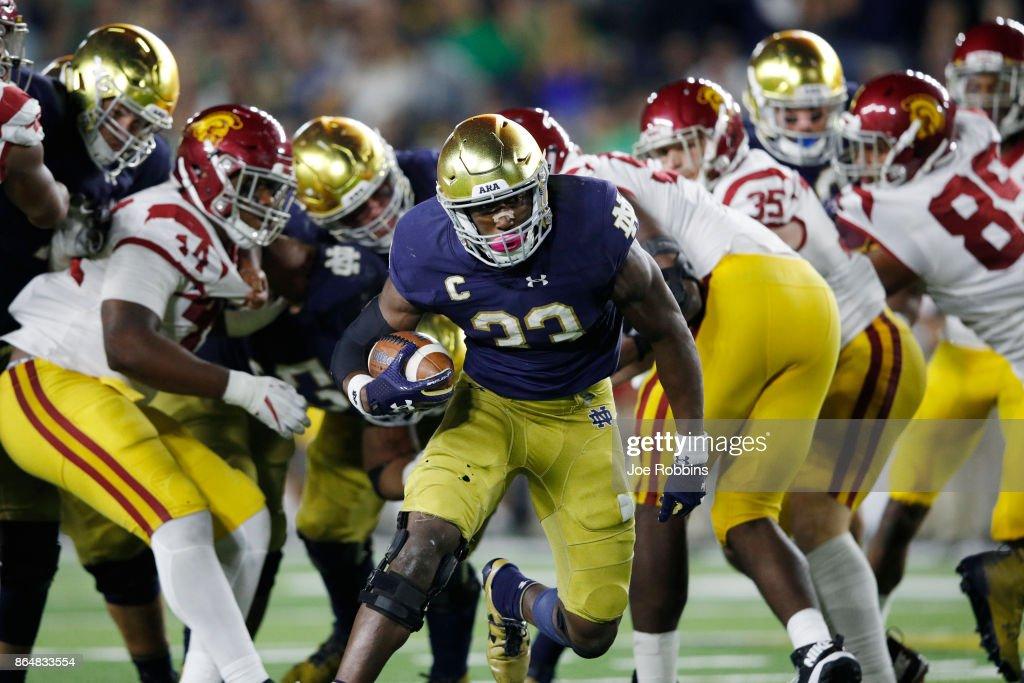 USC v Notre Dame : News Photo