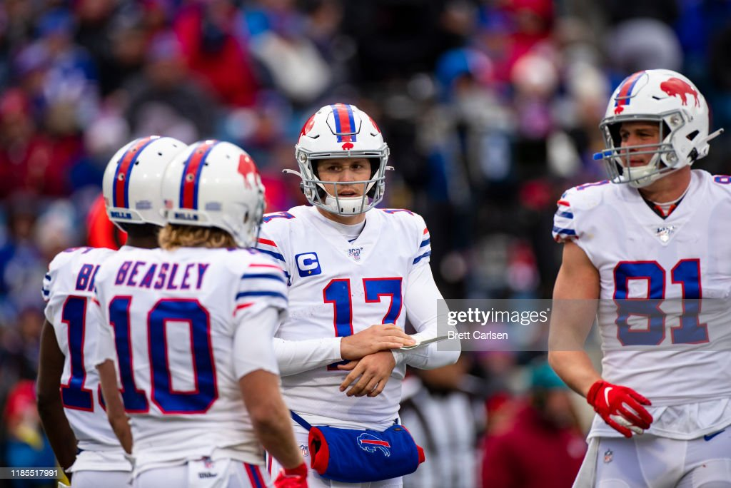 Washington Redskins v Buffalo Bills : News Photo