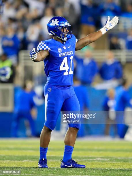 Josh Allen of the Kentucky Wildcats celebrates during the 287 win over the Mississippi State Bulldogs at Commonwealth Stadium on September 22 2018 in...