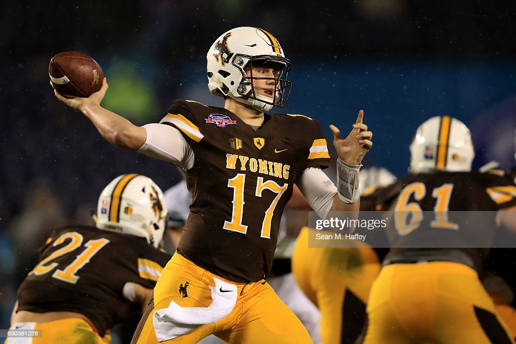 Poinsettia Bowl - BYU v Wyoming