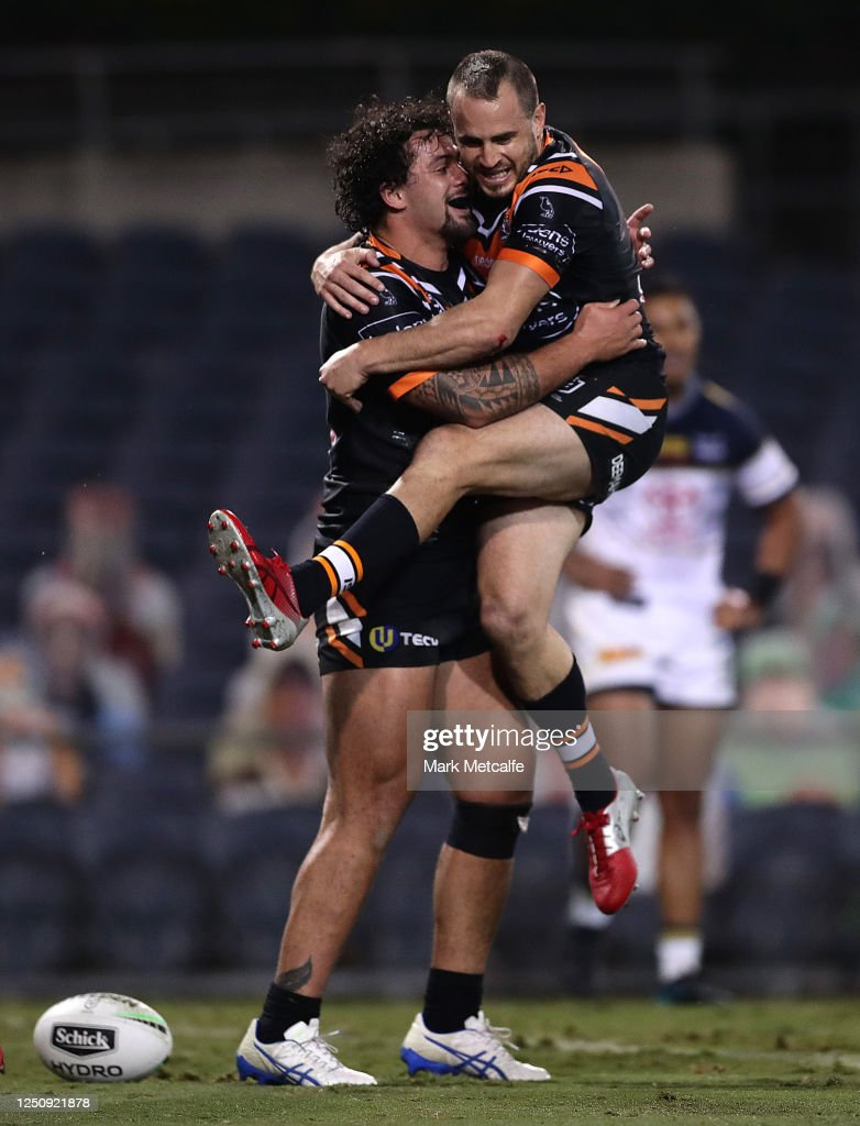 NRL Rd 6 - Tigers v Cowboys : News Photo