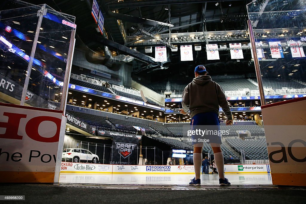 Josh Bailey #12 of the New York Islanders prepares prior to the game against the Boston Bruins at the Barclays Center on October 23, 2015 in Brooklyn borough of New York City.
