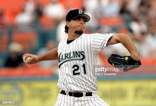 Josh Beckett of the Florida Marlins pitches on the mound against the Houston Astros May 20, 2004 at Pro Player Stadium in Miami, Florida.