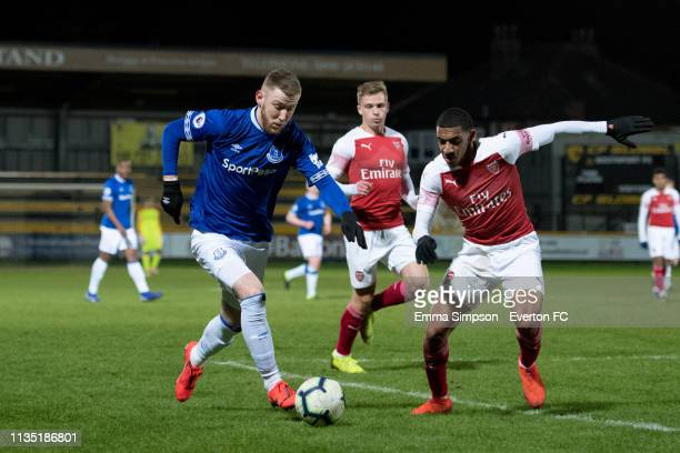 Josh Bowler of Everton on the ball during the Premier League 2 match between Everton and Arsenal at Merseyrail Community Stadium on March 11 2019 in...