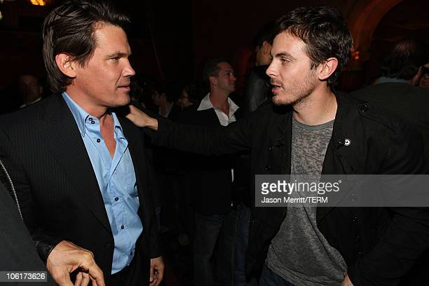 Josh Brolin and Casey Affleck arrives at the premiere of Miramax Films' 'No Country For Old Men' held at the El Capitan Theater on November 4 2007 in...