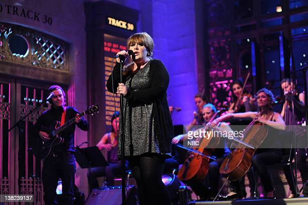 LIVE Josh Brolin Episode 1536 airdate Pictured Adele during the musical performance on October 18 2008