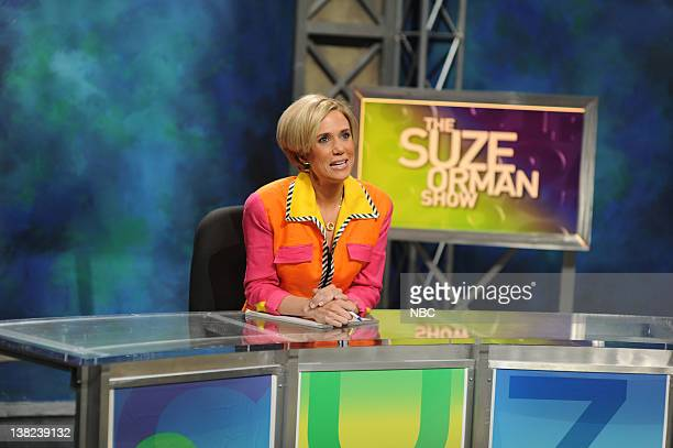 LIVE Josh Brolin Episode 1536 Pictured Kristen Wiig as Suze Orman during the 'The Suze Orman Show' skit on October 18 2008